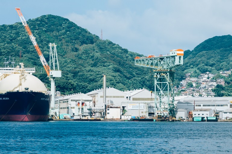 the_giant_contilever_crane_in_nagasaki