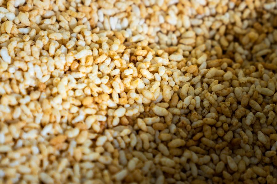 おこし用の炒った米